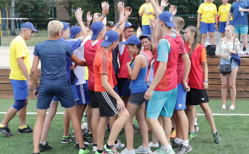Young Arsenal coach trains children in Jahorina